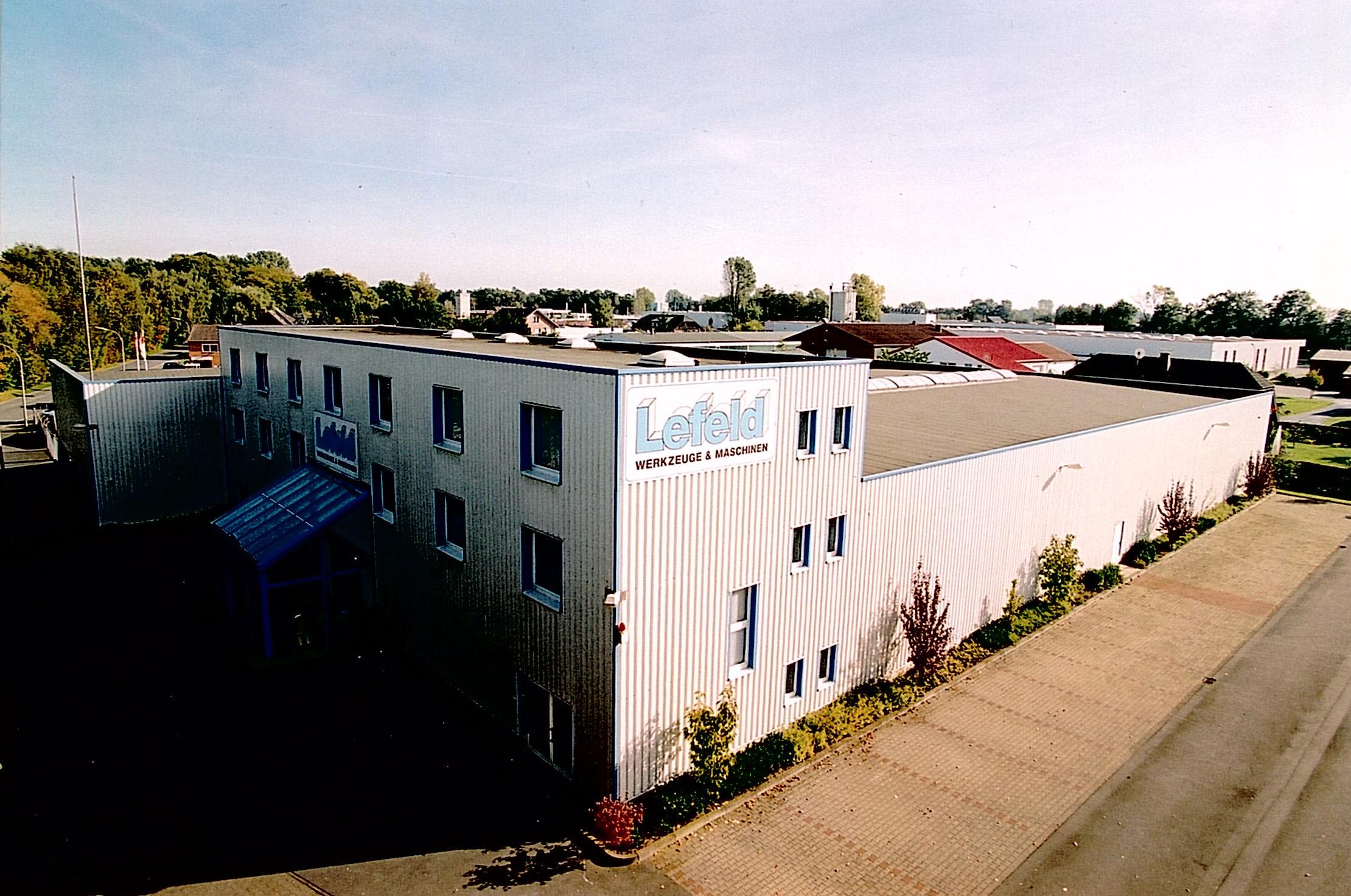 1994 Neubau zweite Halle